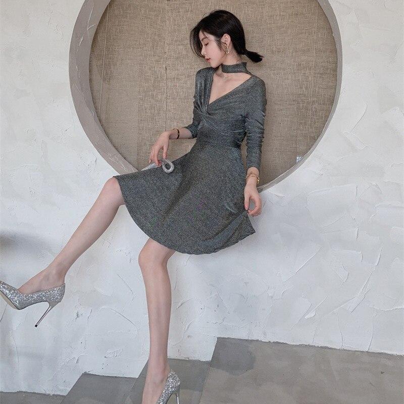 2019 Vintage élasticité Sexy partie robe Midi 2019 printemps a-ligne robes gris brillant soie col en V à manches longues Bandage femmes robe