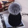 2016 Вязаные Шапки для Зимы с 12 СМ Silver Fox Меховой мяч Вершины Женщины Акриловые Российской Cap Шапочки Повседневная женская Меховая Шапка