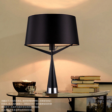 Nordic Metal LED Table Lamp Italy Design Medum Axis S71 Triangle Art Deco Table Lamp White/Black Fabric Lampshades Abajur