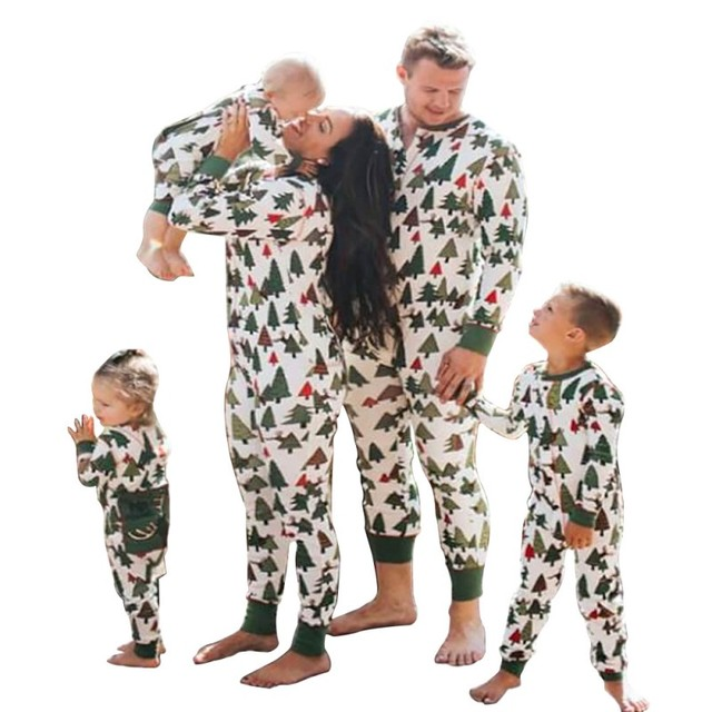 Family Matching Christmas Pajamas Autumn Winter Leaf Print Mommy and Me  Clothes Father Son Shirt+pants Family Home Clothing 6432abbb4