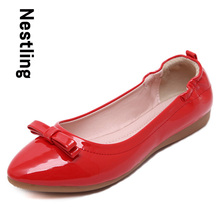 Size 35-40 New 2016 Fashion Women Flats Patent Leather Shoes Woman Loafers Sexy Pointed Toe Bowtie Casual Flat Shoes D35