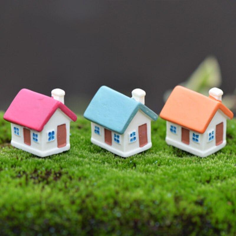 ZOCDOU 1 Piece Classic Small House Building Room Village Town City Model Statue Car Figurine Crafts Figure Ornament Miniatures