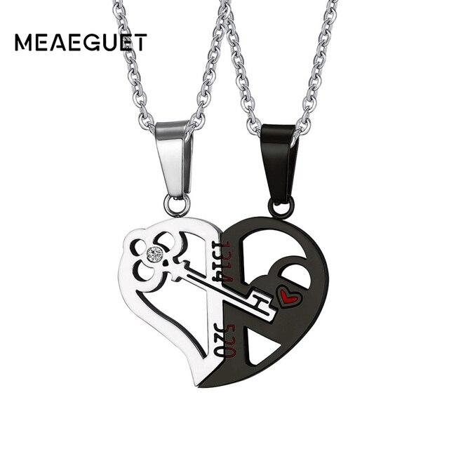 c851a1f11d06 De Oro de plata de cristal de corazón clave colgante de collar de amor de  pareja para siempre de la boda de acero inoxidable de los hombres y las  mujeres ...