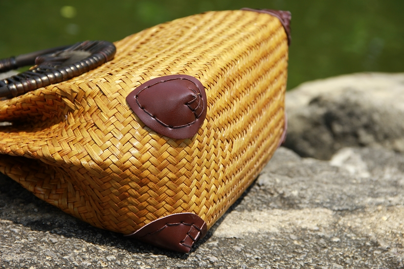 Thai version of the straw bag women's hand bag fashion retro vase vine bag travel beach bag bamboo wood handle handbag 2