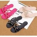 Бесплатная Доставкатапочки домашние обувь женская босоножки женские обувь женщина Женщин Флип-Флоп Заклепки Сандалии Пляж Желе Обувь Женская Летняя Богемия Sandalies (пожалуйста, выберите 1 размер больше)