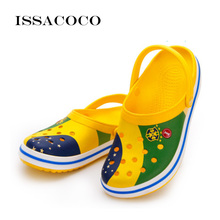 ISSACOCO 2018 Shoes Men Summer Shoes Hole Slippers Sandals Men Breathable Beach Superstar Shoes Pantuflas Chinelo Terlik issacoco 2018 new slippers men shoes sandals summer shoes home slippers man bathroom shoes sandals men pantuflas terlik chinelo