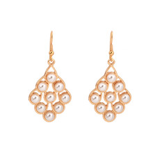 New earrings in Europe and the geometric pearl little girl temperament fashion earring ornaments