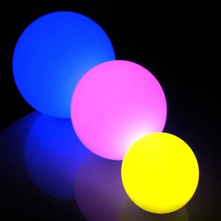 30 cm upplyst ledboll med uppladdningsbart batteri och fjärrkontroll för trädgård eller fest