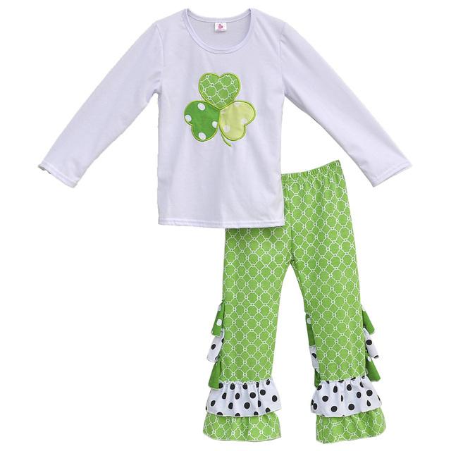 Novas Meninas chegada de Primavera Rua. Patrick's Day Roupas Trevo Bordado Top Plissado Verde Calças Conjuntos de Algodão Crianças Outfits SP001