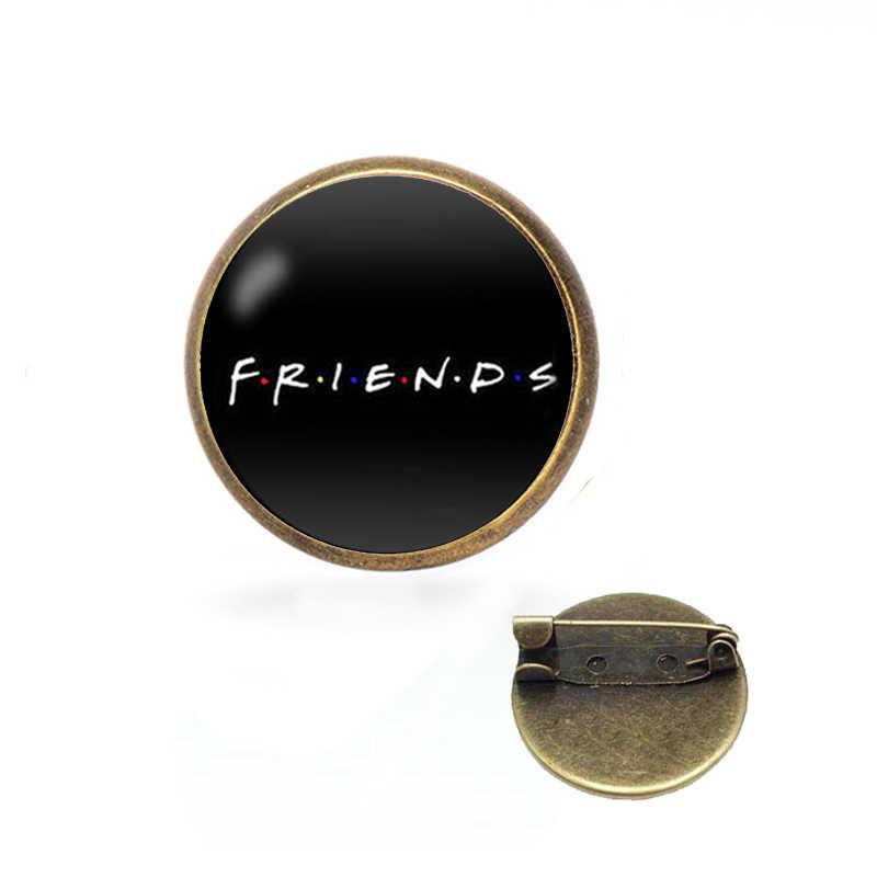 Teman Bros Acara TV Perhiasan Central Perk Coffee Time Pin Logam dan Bros untuk Wanita Pria Lapel Pin Lencana Natal hadiah