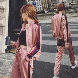 2018 осень Для женщин 2 комплекты из двух предметов повседневная одежда розовый костюмы в полоску короткая куртка + эластичные штаны ноги