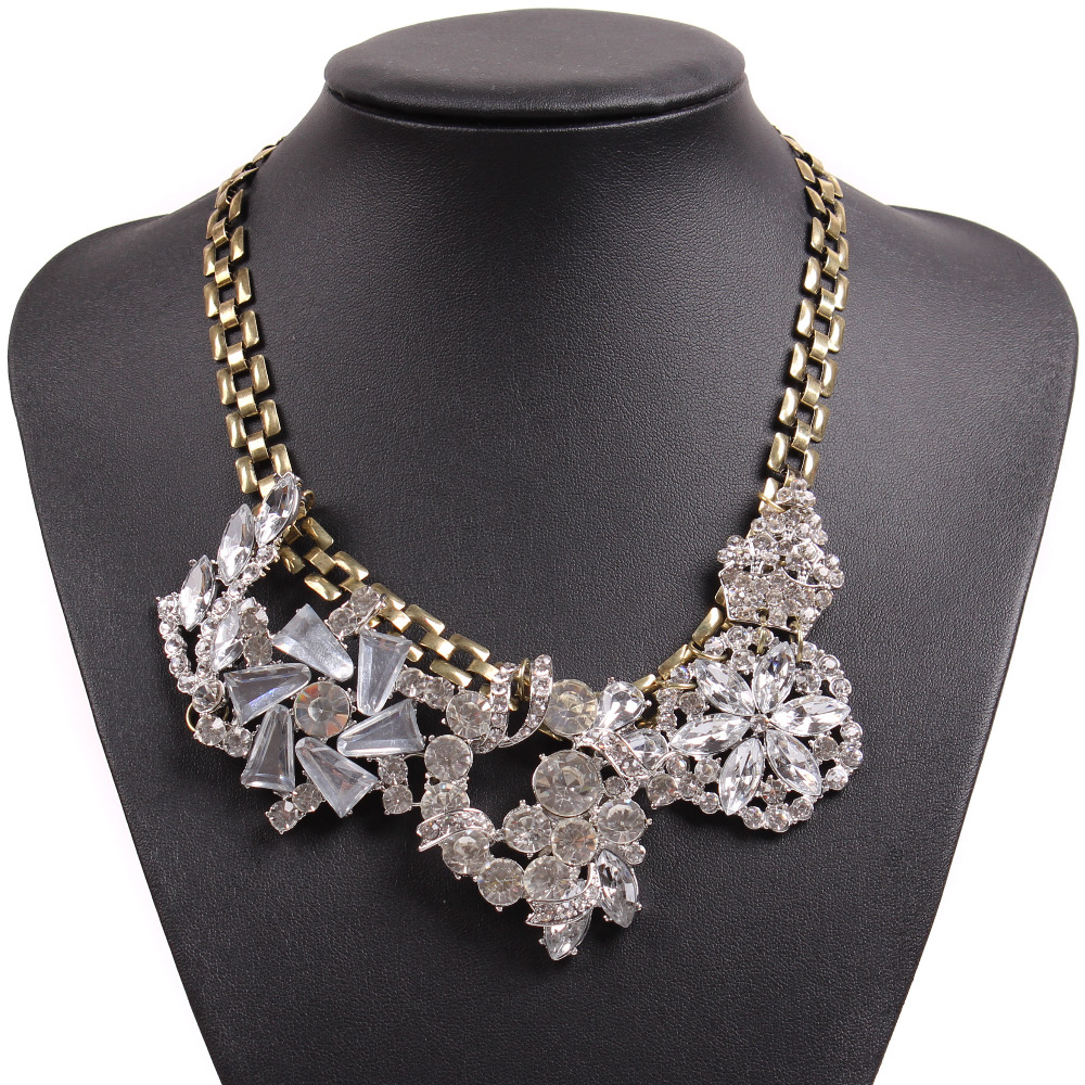 fc7bf47a9 2018 New Design J Brand Fashion Vintage Gold Chain Statement Chunky Choker  Big Pendant Crystal Necklace For Girls Jewelry