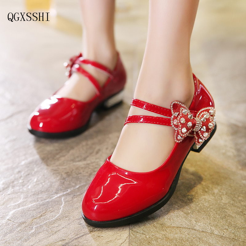цены QGXSSHI Girl PU Leather Shoes For Girls Party Big Flower Dance Children Kids Shoes 2-14Years Princess Child Wedding Shoes