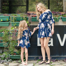 2018 New Fashion Street Short Sleeve Family Matching Outfits Mom and Daughter Clothes Dresses for Mothers Girls