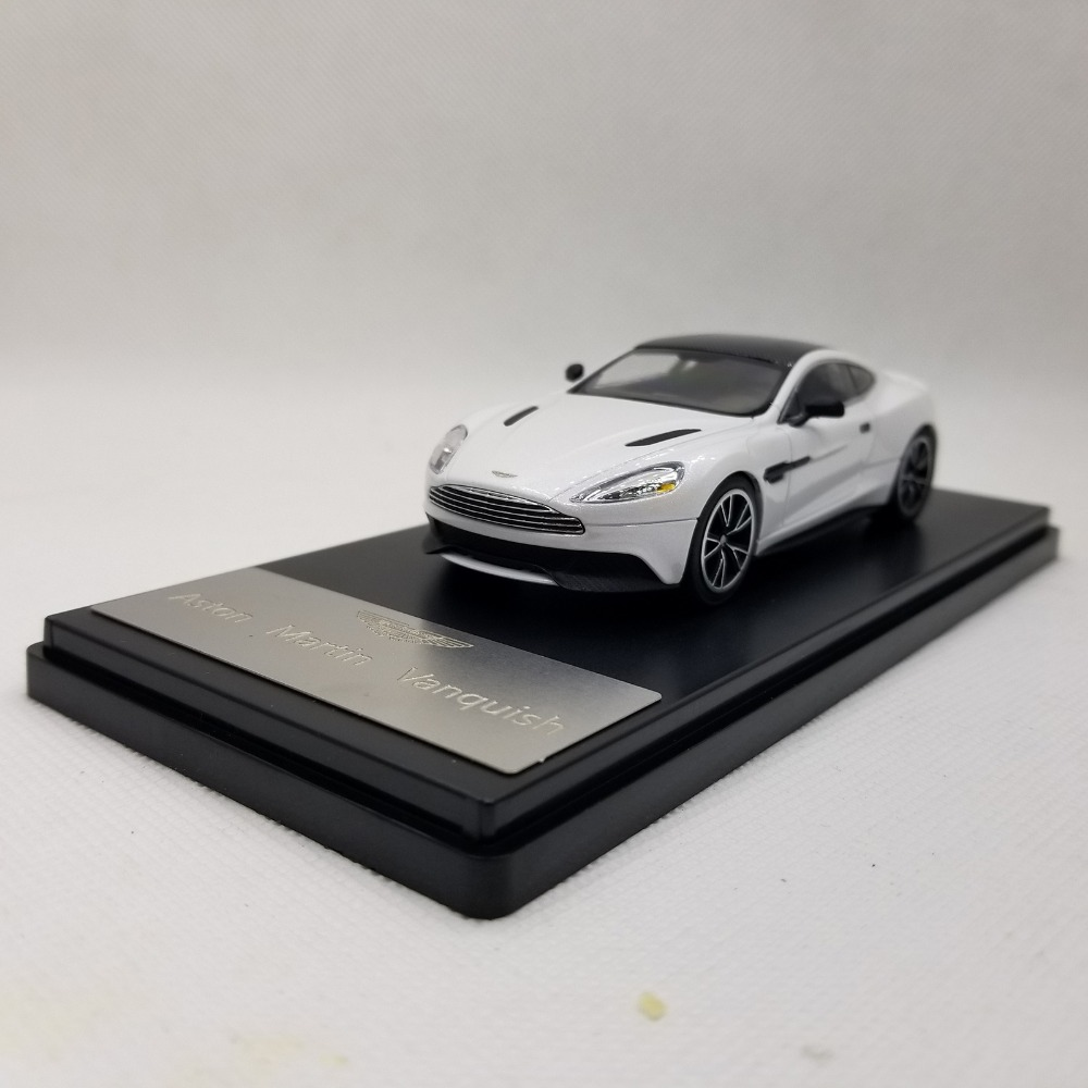 1:43 Diecast Model for Aston Martin Vanquish Sport Car Alloy Toy Car Miniature Collection Gifts