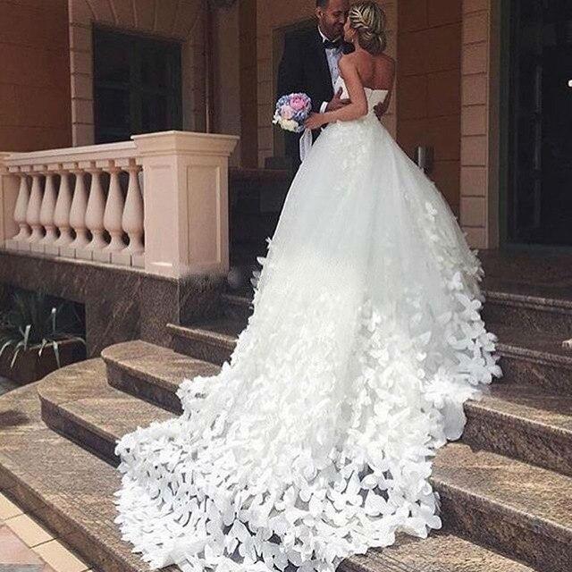 Vestido de novia con mariposas
