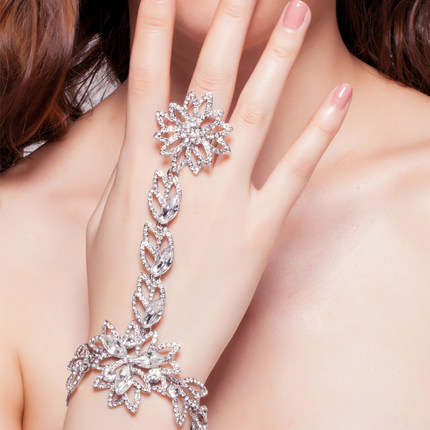 Luxury Rhinestone Flower Bridal Bracelet Slave Chain Link Finger Ring Wedding Crystal Wrap Bracelets Jewelry