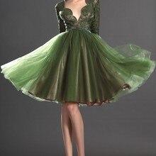 ; милое коктейльное платье до колена с длинными рукавами и кружевным лифом
