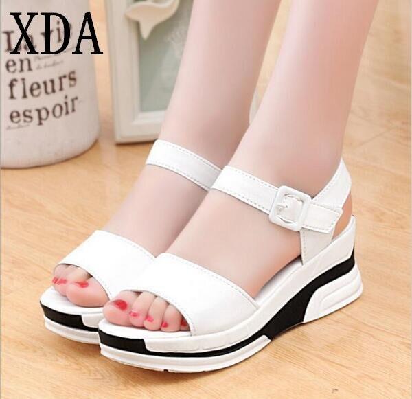 XDA Plataforma sapatos de Verão mulher Sandálias Das Mulheres Casuais Couro Macio Do Dedo Do Pé Aberto Gladiador wedges Trifle Mujer Mulheres Sapatos Flats