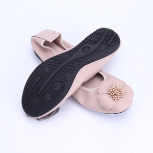 Image 2 - Genuine Leather Women Ballet Flats Spring Autumn Brand Lady Sneakers Flower Adornment Round Head Casual Shoes Female Loafers2021