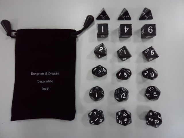 Dungeons & Dragons 18 grains of polyhedral dice[18 dices set] millionaire run group of game Warcraft accessories Boutique