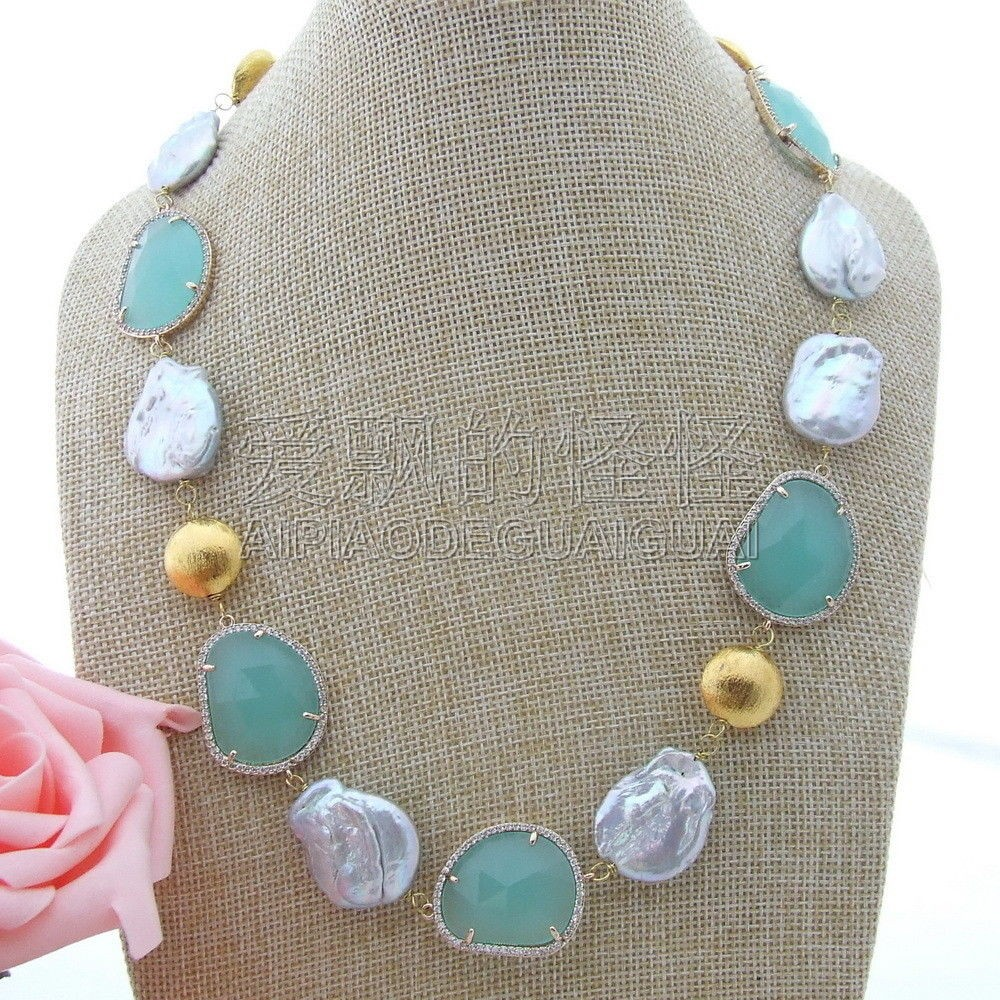 N100709 20 White Pearl Blue Crystal NecklaceN100709 20 White Pearl Blue Crystal Necklace