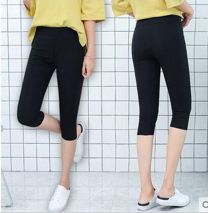 Hot Selling 2018 Women 3/4 Running Shorts Breathable Elastic Cotton Sport Shorts Size S to XL Black Color Factory Dropshipping