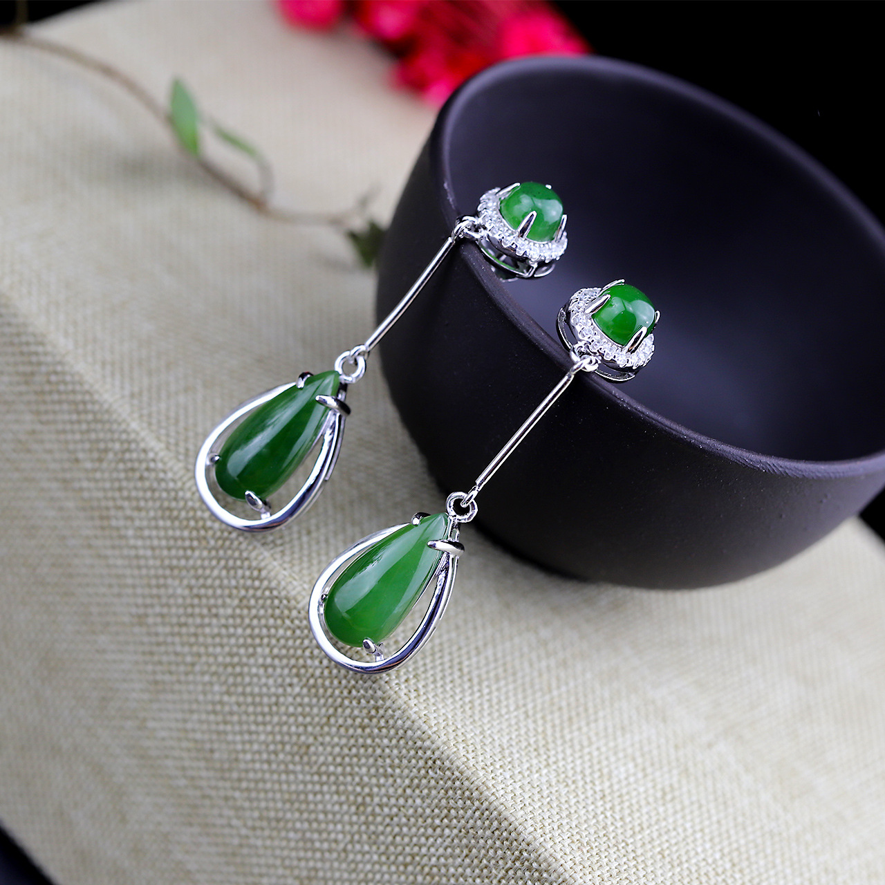 Character Silver Product S925 Pure Silver Jewelry Fashion Earrings Wholesale Ms Droplets Hetian Jade Earrings character silver product s925 pure silver new mark antique watch authentic thai contracted female model