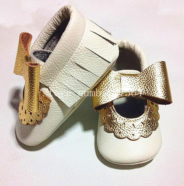 Nuevos diseños de moda flor del cordón de Cuero Genuino de la Vaca Mocasines arco Zapatos Suaves Del Bebé Recién Nacido primer caminante antideslizante Infantil zapatos