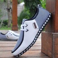 Moda Sneakers Mężczyzna Przypadkowi Buty Skórzane Buty Jazdy Mieszkania Mężczyźni Mokasyny Slip On ROZMIAR 38-47 Biały Czarny Chaussure Homme