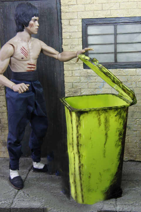 Older Not Old Red Green Trash Can Model 1/6 Scale Model Soldier Accessories Trash Can Storage Box Street Road Scene Model