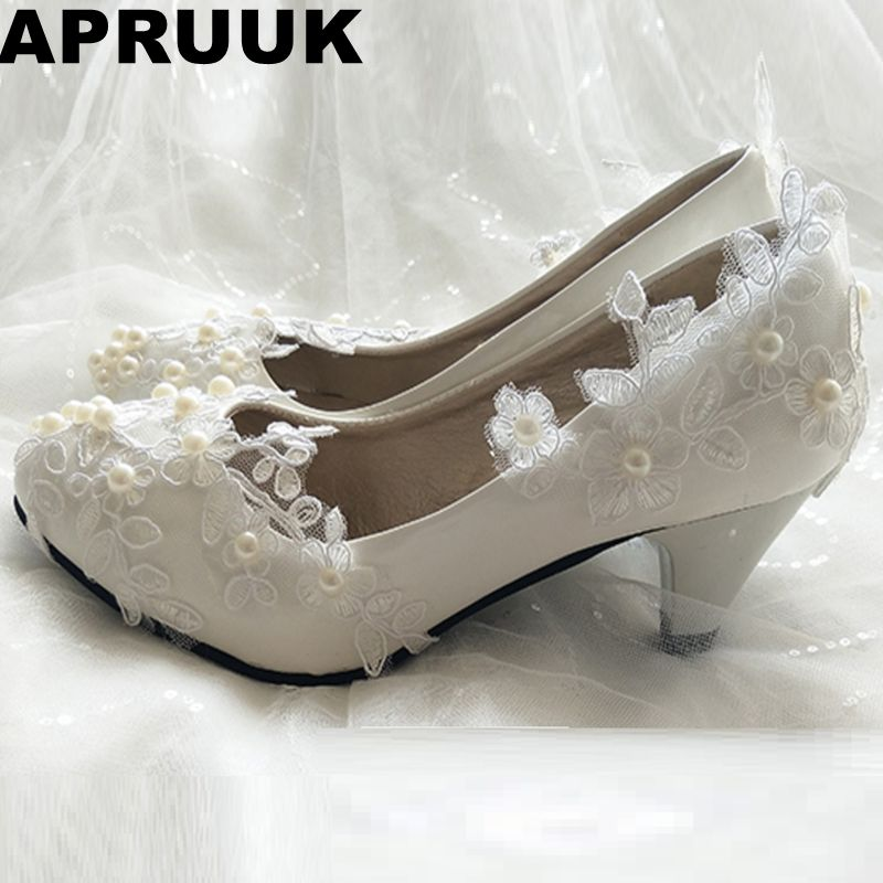Low middle heel lace wedding shoes woman round toes lace pearls bridal brides wedding pumps shoes slip on party shoes laces women wedding shoes flat heel round toes plus size bride shoes lady female sweet lace pearls proms dress evening party shoes