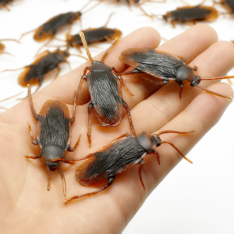 12 Pcs April Fool's Day Simulation Cockroach Shock Toys Cockroach Trick Funny Disgusting Scary Insects Props Cool Shock Toys