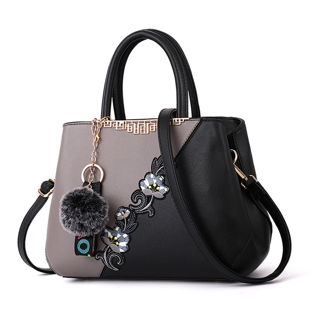 Monnet Cauthy Female Totes Classic