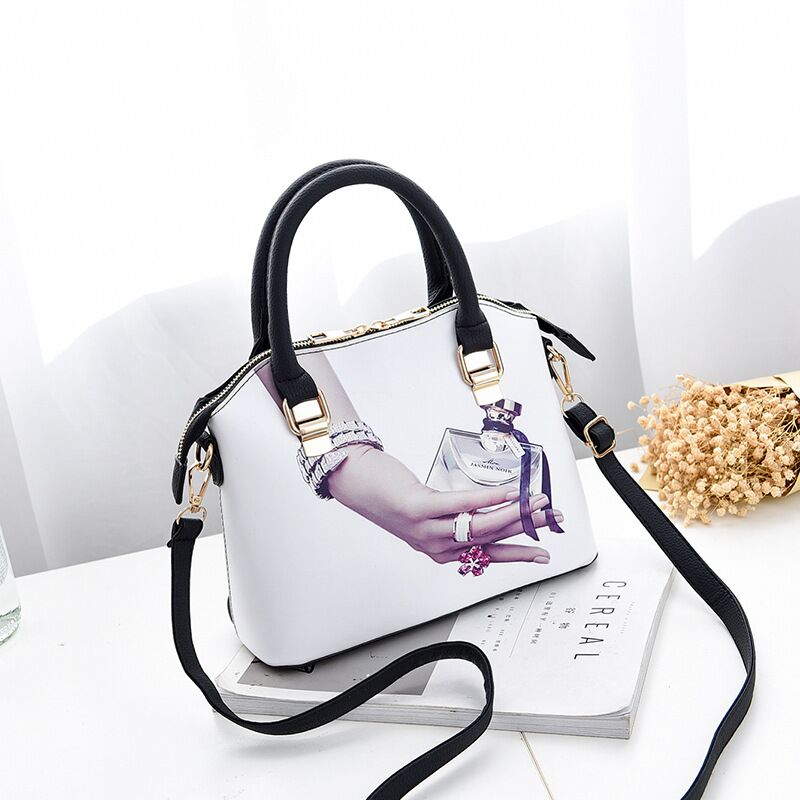 Women Leather Handbags Medium Shoulder Bags Top-Handle Luxury Women Messenger Bag Famous Brands Female Tote Women Cartoon nice shoulder bag