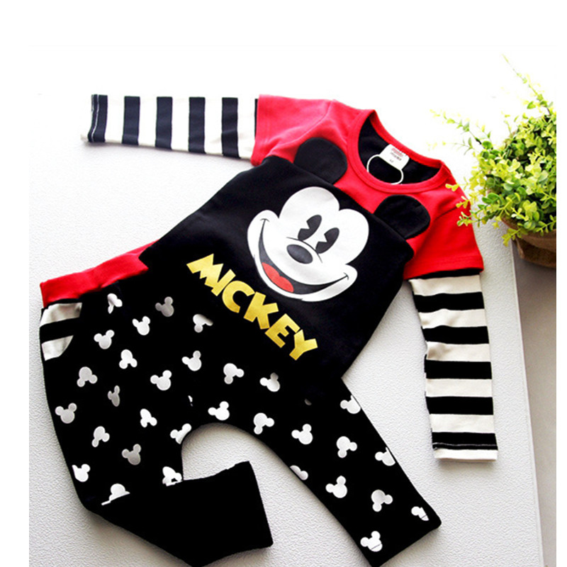 Új baba Cartoon ruházati készlet Lányos fiúk Mickey ruházati készletek gyerekek pamut Pulóver + nadrág karácsonyi 2db Gyerekruha