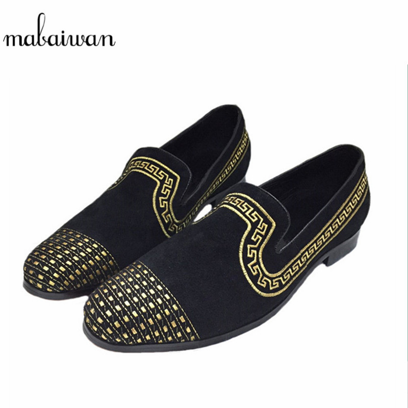 Здесь продается  Mabaiwan Fashion Casual Men Loafers Gold Embroidery Slippers Dress Party Banquet Black Suede Dress Shoes Handmade Men
