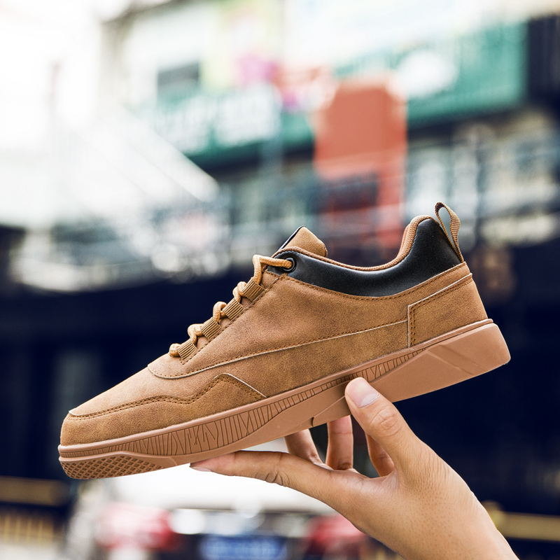 2018 New Autumn/Winter Suede Men Shoes for sport Canvas Shoes Retro Leather Breathable running Shoes Ultra-light sneakers