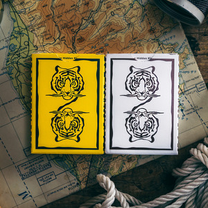 1 DECK The Hidden King Playing Cards Magic Tricks Flower Cut Collection CARDISTRY Card(China)