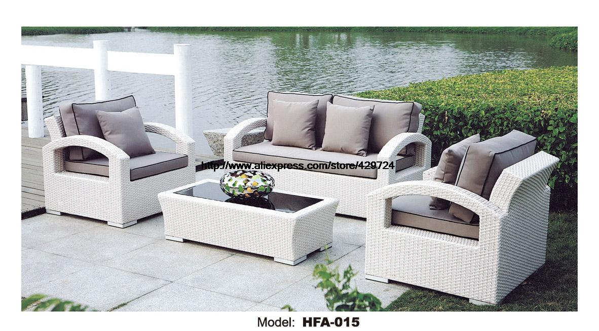 White rattan sofa purple cushions garden outdoor patio for Sofa exterior rattan sintetico