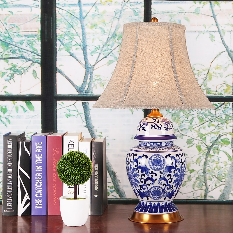 China Antique Living Room Vintage Table Lamp Porcelain Ceramic Table Lamp wedding decoration vase table lamp table runner vintage blue and white porcelain pattern table cover