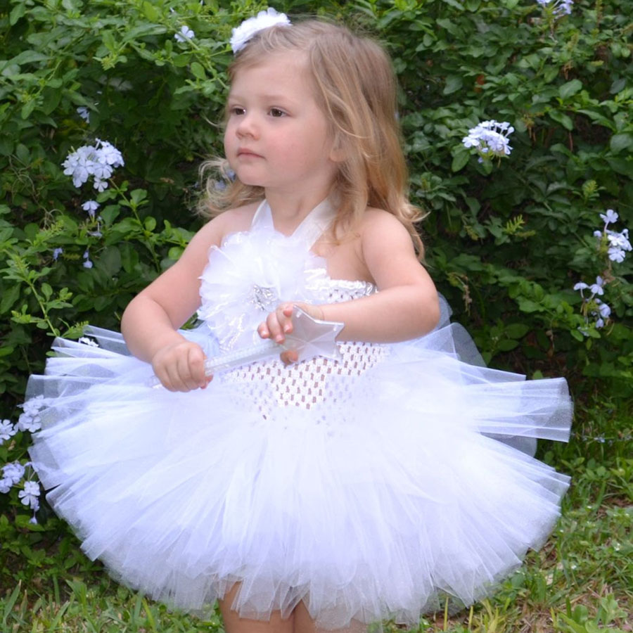 Atemberaubend Kleine Mädchen Kleider Für Hochzeitsgäste Fotos ...