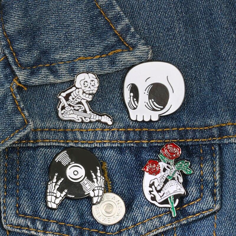 Custom Lapel Pin Brooches Assassin Photography Banquet Badge Pins Trendy Accessory Jacket T-Shirt Bag Hat Shoe