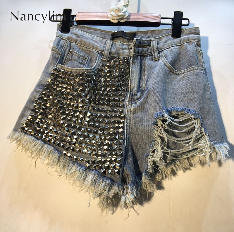 Studded Rivet Jeans Shorts Summer Street Hot Pants Women 2019 European New Rivet Bead High Waist Slender Hole Jeans Pants Femme
