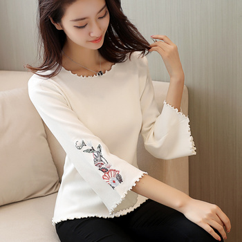 2020 New Autumn Knitted Sweater Flare Sleeve Embroidery Short Pullover Women Tops O-Neck Loose Jumper Casual Knitwear Pull Femme 2019 autumn ruffles sweater women sweet flare sleeve slim winter sweater pullover o neck casual female jumper knitwear tops