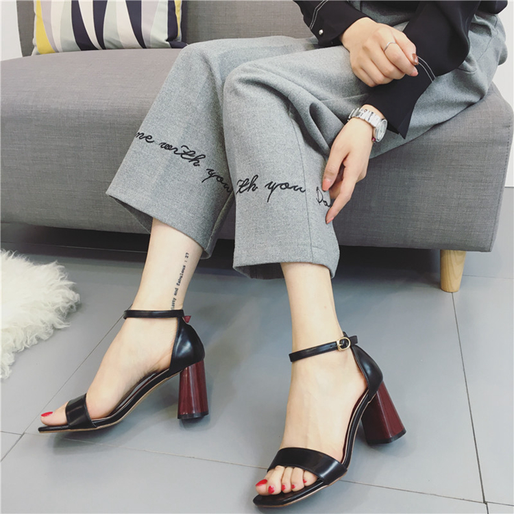 All-match 2017 summer open toe button belt elegant sandals female brief sexy thick heel high-heeled shoes all summer long