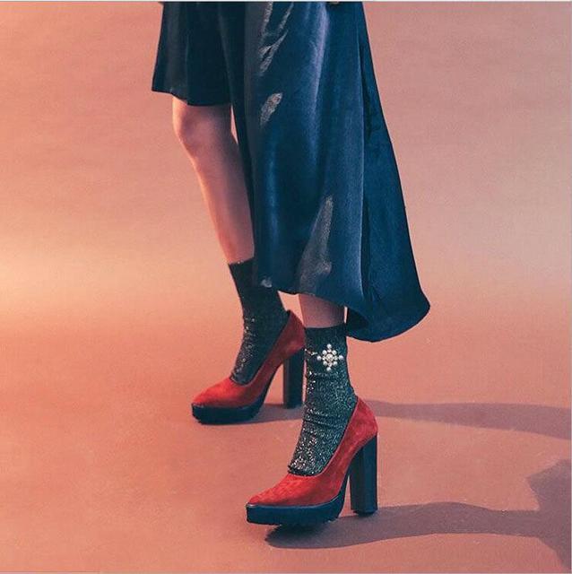Жемчуг-дизайн Красочные Блеск Носки Женщины Хлопок Осень Зима Носки Длинные Кружева Смешные Носки Теплые Блестящие Дамы Harajuku носки