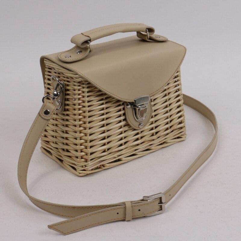 Seaside Holiday Basket Bag Rattan Female Bag Famous Design Fashion Shoulder Messenger Bags Women Purse and