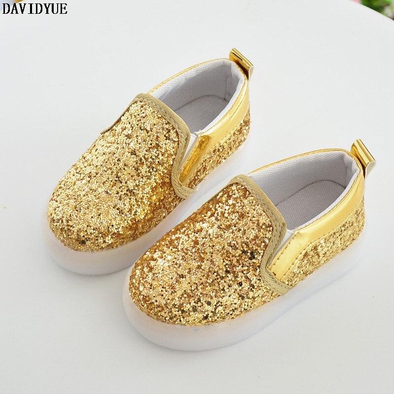 2017 Весенние Дети Повседневная Shoes With Light Детские Спортивные Shoes Девушки Кроссовки световой Shoes для Принцессы Кроссовки