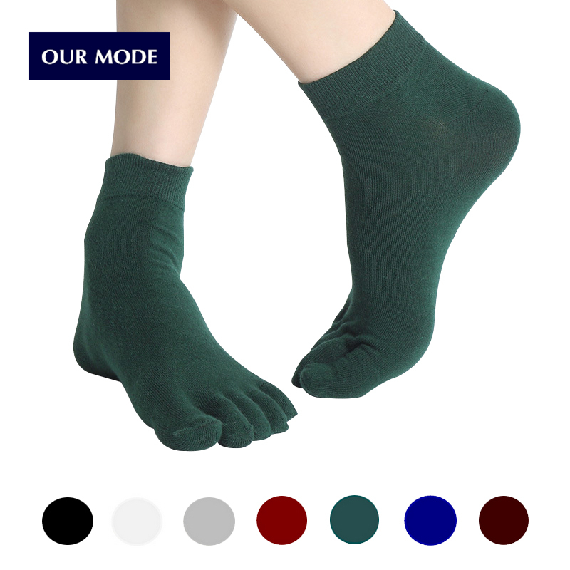 OUR MODE men spring autumn high quality brand five toe socks for cotton male black business short socks 5pairs/lot